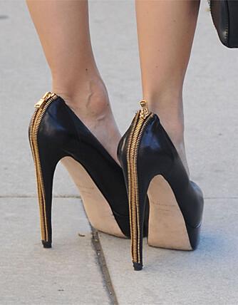 PÅ HØYE HÆLER: Stjernestylist Rachel Zoe synes ikke det er noe problem å dra på handletur med skyhøye hæler.