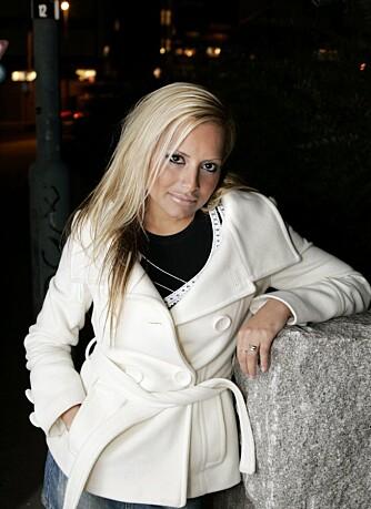 Linni Meister ga ut plate etter Robinson-deltagelsen og har gjort suksess som glamourmodell.