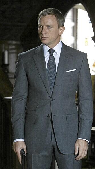 MANN FOR SIN DRESS: Alt sitter som det skal på James Bond, spilt av Daniel Craig.