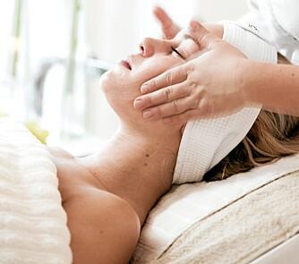 REN: Ren og fin hud er målet etter en ansiktsbehandling. ikke rød og sår.