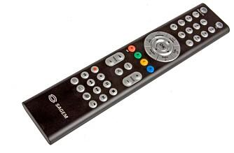 KONTROLL: Fjernkontrollen som kommer sammen med Sagems RiksTV-boks.