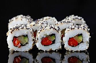 VEGETARIANSK SUSHI: Du kan lage mange spennende retter som vegetarianer. Hva med for eksempel vegetariansk sushi?