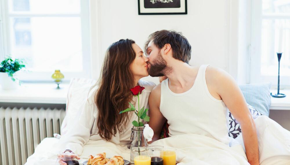 En stor frokost og roser på sengen redder enhver kald februarmorgen. FOTO: Getty Images