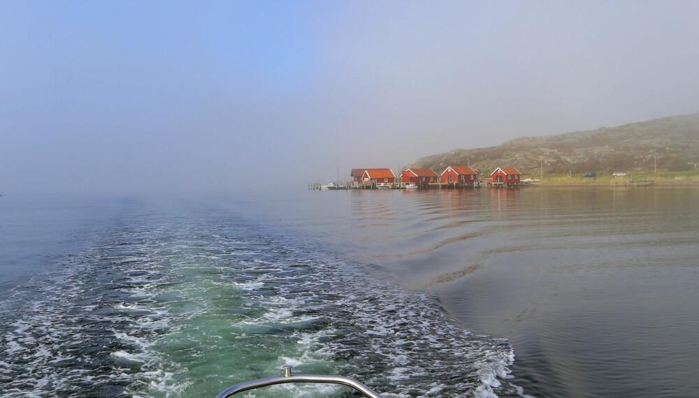 VAKKERT: Høsten har sin egen sjarm, det gir båtturen langs Bohuslänskysten en litt annen dimensjon enn om sommeren. (FOTO: Terje Bjørnsen)