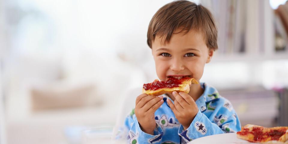 CØLIAKI HOS BARN: Dette er de typiske symptomene, og forskjellen på cøliaki og hveteallergi hos barn. FOTO: Getty Images.