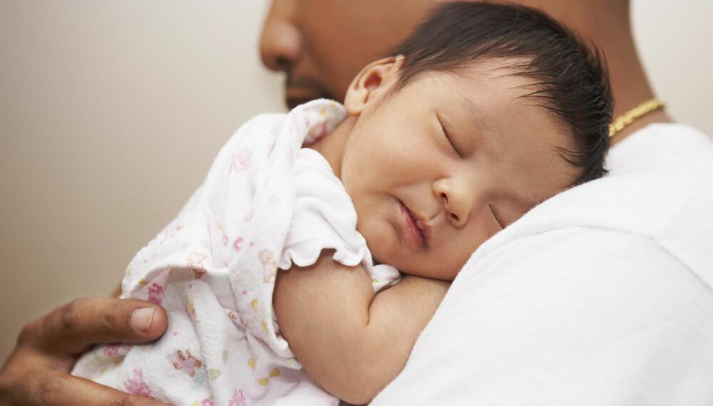 UROLIG SØVN HOS BABY: Har du merket at babyen din er plaget med urolig søvn? Søvnsyklus og fysiske småplager er noen av de potensielle årsakene til problemet. Foto: Gettyimages.com.