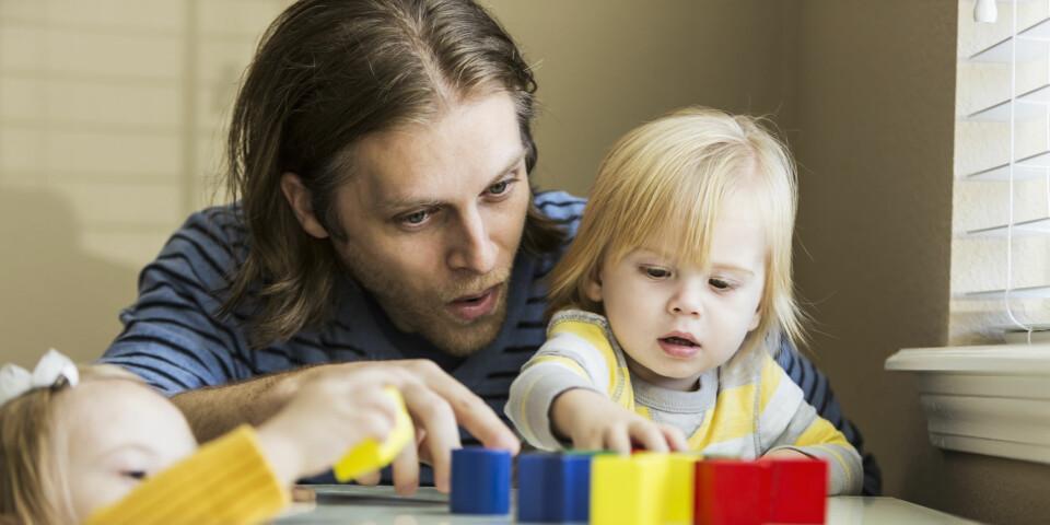 SPRÅKUTVIKLING HOS BARN: Når begynner barnet å snakke, og hvordan er språkutviklingen til barnet i ulike aldre, egentlig? Her får du svarene! FOTO: Getty Images.