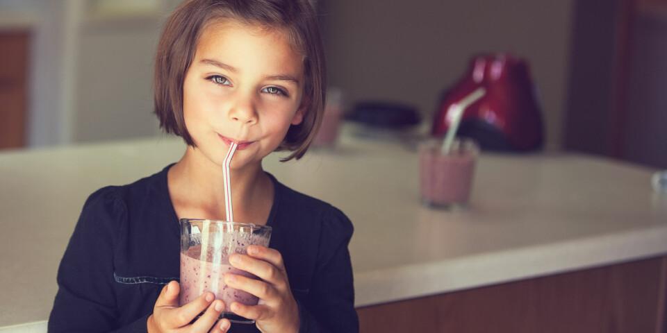 """SMOOTHIE TIL BARN: Barn bør, i likhet med voksne, spise de såkalte """"fem om dagen"""". Ekspertene er enige om hva en smoothie til barn bør inneholde. Foto: Gettyimages.com."""