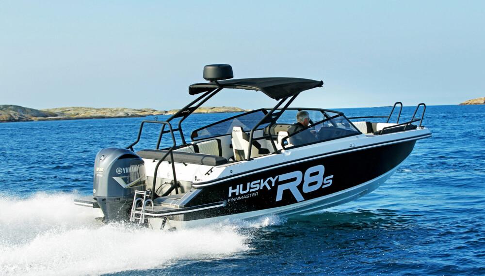 T-TOPP: Den gjør båten tøffere designmessig, men er ikke alltid like praktisk. (FOTO: Petter Handeland)