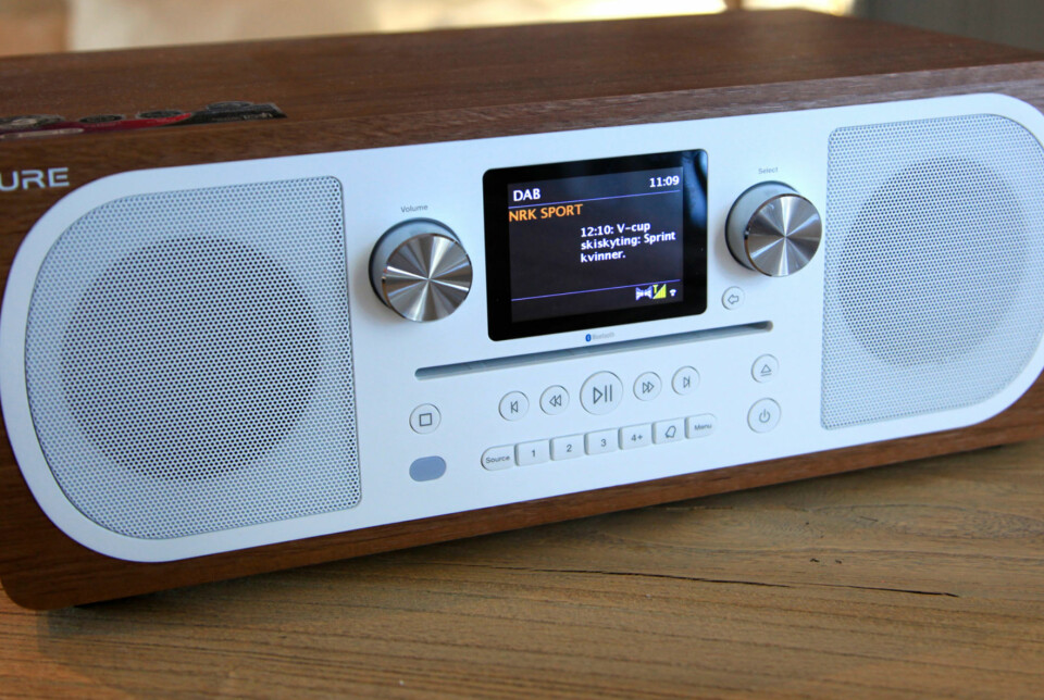 Pure Evoke C-F6 er en stor DAB-radio med CD-spiller blir den et fullverdig mikroanlegg.