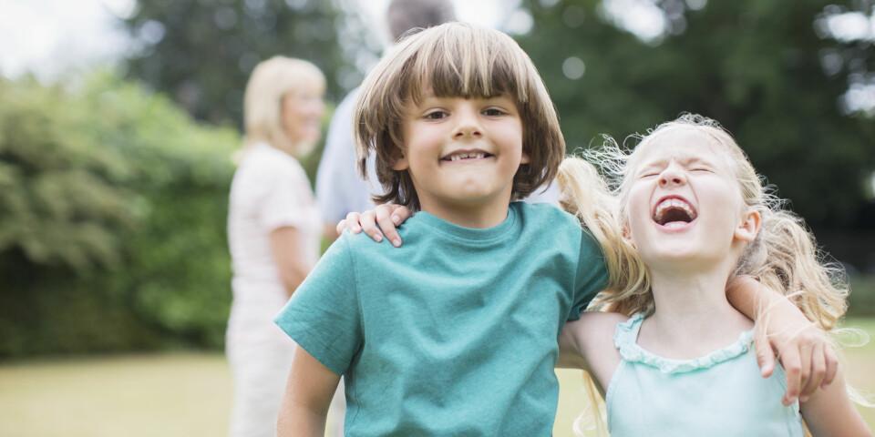 BARN OG VENNSKAP: Å vite at man har venner som stiller opp er like viktig når man er barn som når man er voksen. FOTO: Getty Images.