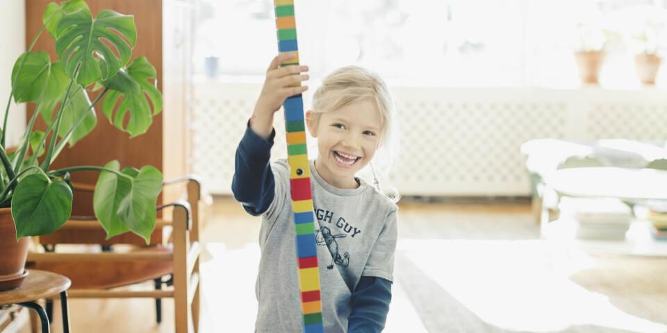 SELVFØLELSE OG SELVTILLIT HOS BARN: God selvtillit starter i barndommen. Slik lærer du barna dine til å tenke godt om seg selv! FOTO: Getty Images.