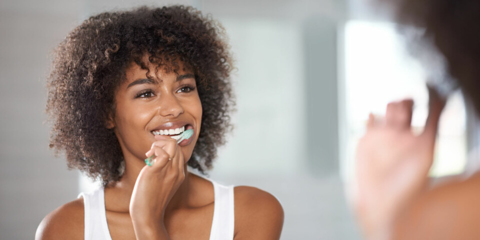 UNNGÅ HULL I TENNENE: Det er ikke vanskelig å unngå hull i tennene om du legger inn en innsats. FOTO: Getty Images.