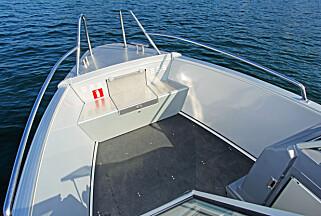 TYPISK: Litt enklere og røffere enn alubåtene med glassfiberinnredning. (FOTO: Petter Handeland)
