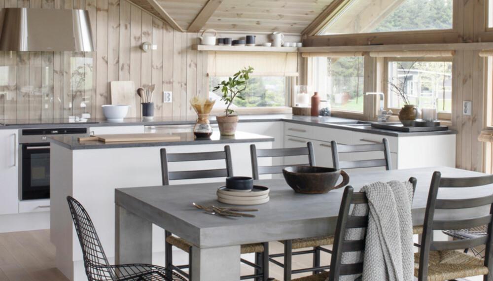 TRENDY: De moderne fjellhyttene bærer preg av en strammere, skandinavisk stil - både når det er snakk om interiør og eksteriør. De som bygger ny hytte i dag, velger gjerne enklere design og en mer nøktern stil på hytta.