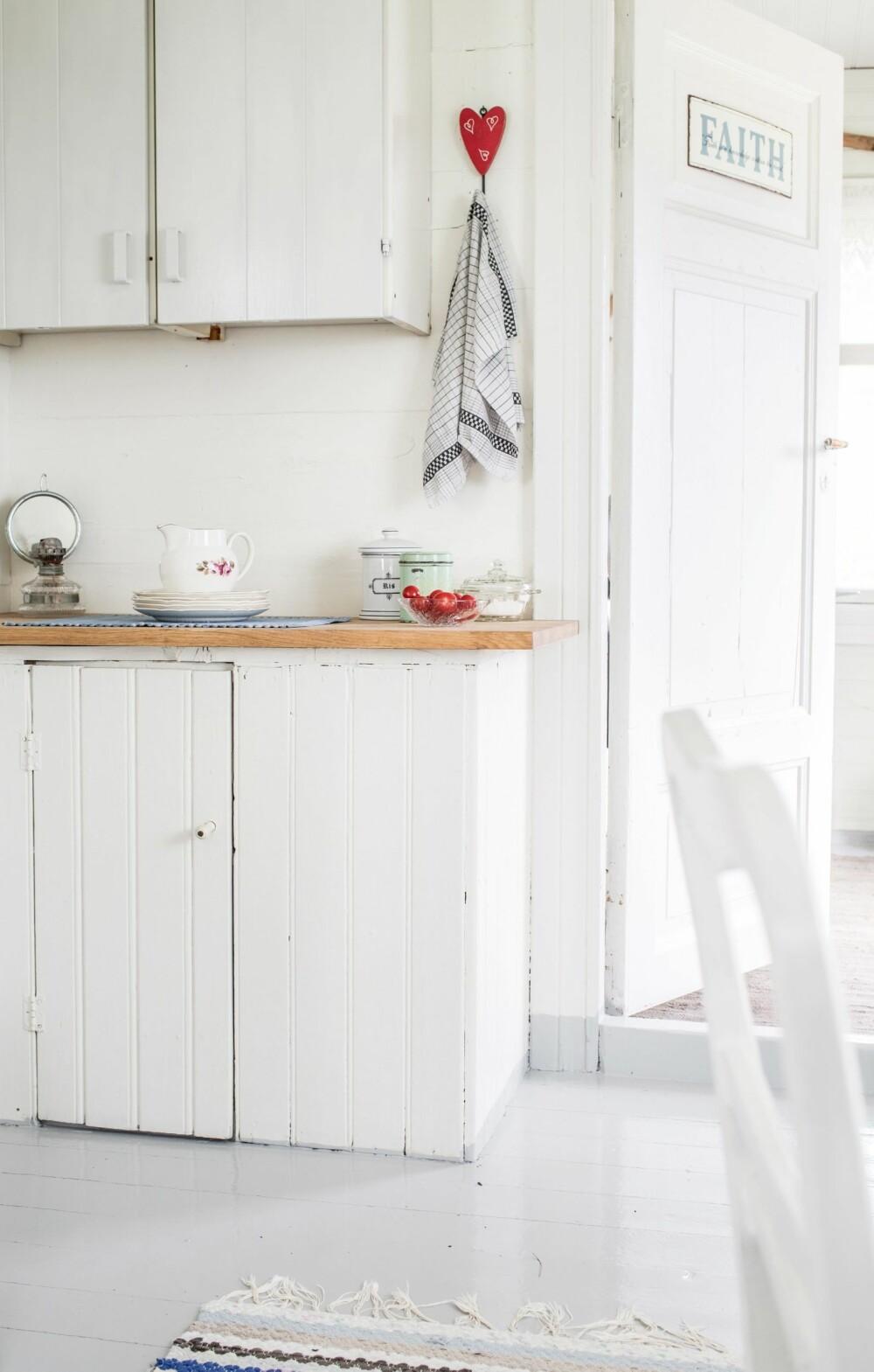 NOSTALGI: Underskapet utgjorde en gang et helt kjøkken. Selv om tidene har endret seg, holdes interiøret fortsatt enkelt.