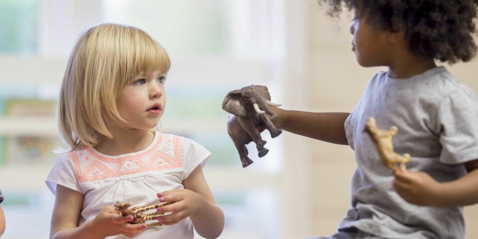 MOBBING I BARNEHAGEN: Mobbing er svært utbredt i barnehager, og foregår ofte slik at voksne ikke skal oppdage det. Foto: Gettyimages.com.