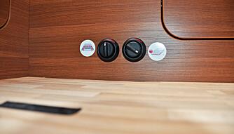 VANNBÅREN: Varmeregulering. Du kan velge å regulere varmen både ved veggene og på gulvet. Vannbåret varmesystem fra Alde. (FOTO: Torbjörn Stålenhag)