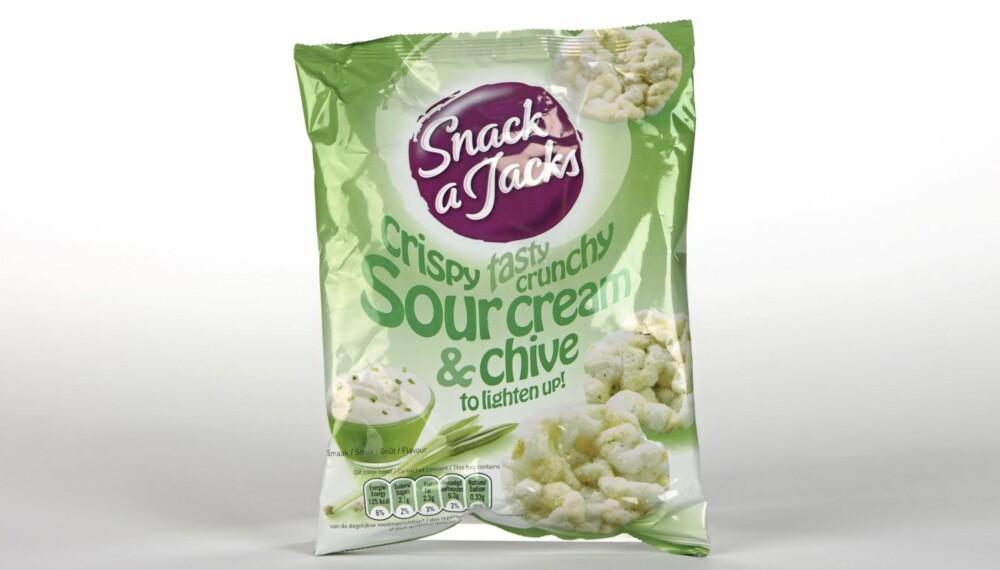 SUNNERE: DinKost.no har bedt ernæringsfysiolog Gunn Helene Arsky om å gi terningkast til sunnere alternativer til saltsnacks som chips.
