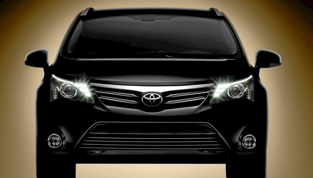 AVENSIS: Dette er det første offisielle bildet av nye Toyota Avensis.