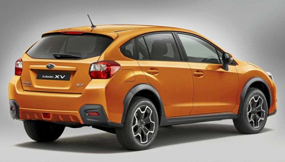 CROSSOVER: Subaru skryter selv av bakkeklaringen på sin nye bil.