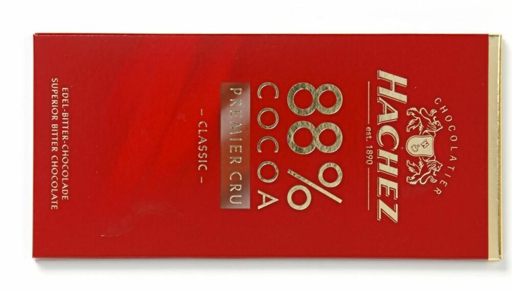 TEST: DinKost har sjekket næringsinnholdet i ti mørke sjokolader. Hvilken er sunnest?