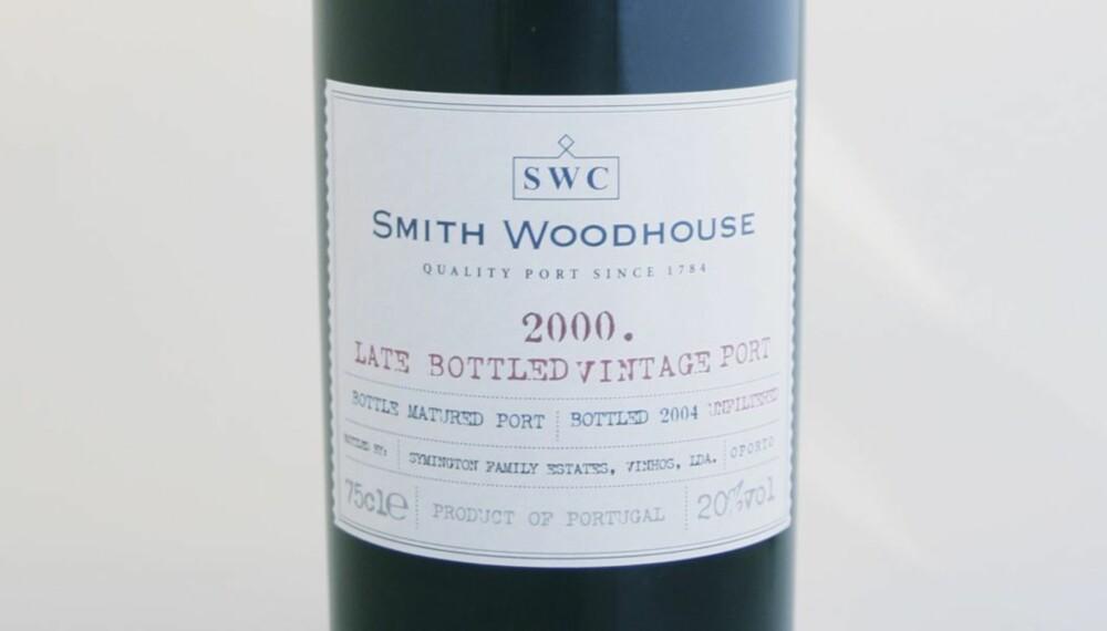 SØTE JULEGAVER: Smith Woodhouse LBV Port 2000 er en søt sterkvin fra Portugal.