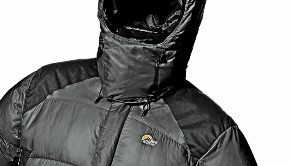 VARM OG SOLID: Dunjakken ra Lowe Alpine er en varm og solid dunjakke, men litt kort i livet.