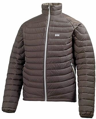 PEN OG ALLSIDIG: Helly Hansen Zera Down Jacket er en pen og allsidig jakke.