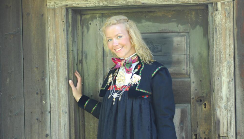 BUNAD: Øvre Hallingdal kvinne.