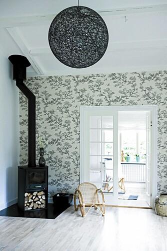 SOMMERLIG: I den nordiske innredningsstilen kan kombinere frodighet og minimalisme.