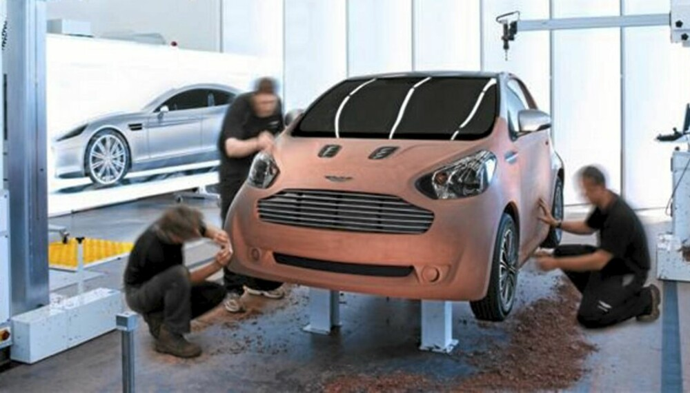 LITEN ASTON MARTIN: Den kjente Aston Martin-grillen være med over til Cygnet.