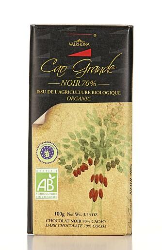 SMELTER FINT: Sjokoladen fra Valrhona smelter fint på tungen.