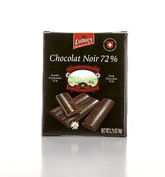 LITE PERSONLIGHET: Villars Chocolat Noir 72 prosent har god fruktighet, den er myk på tungen og den smelter godt. Men den er litt kjedelig ifølge enkelte i panelet.