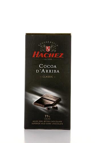 GOD MUNNFØLELSE: Hachez Cocoa d' Arriba 77 prosent er litt fet på smak, men den gir en god munnfølelse.