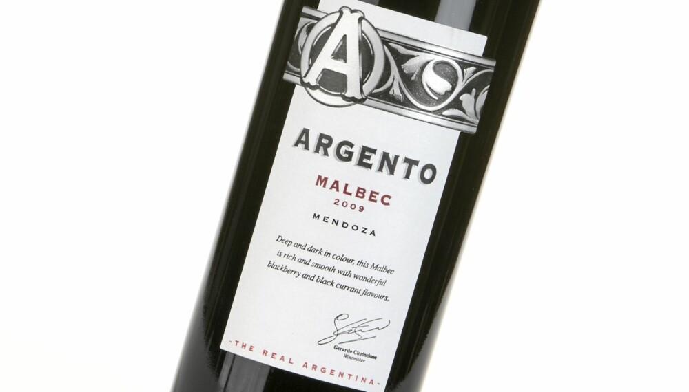 SAFTIG FRUKT: Argento Malbec 2009 er en rødvin fra Argentina med saftig, søtlig frukt og eik i smaken.