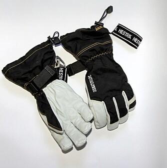 DE BESTE LANGE HANSKENE: Hanskene fra Hestra er de beste lange hanskene i denne testen. Meget gode allround-hansker.