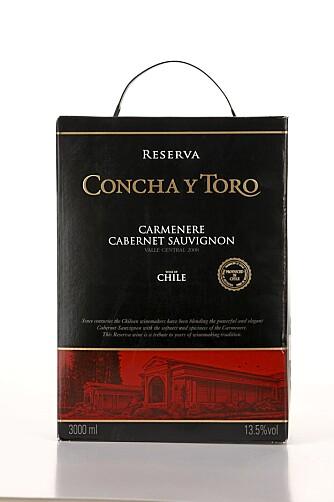 GOD FYLDE: Concha y Toro Carmenere Cabernet Sauvignon Reserva 2008 har bløte tanniner, god fylde og middels syre. Den beste chileneren.