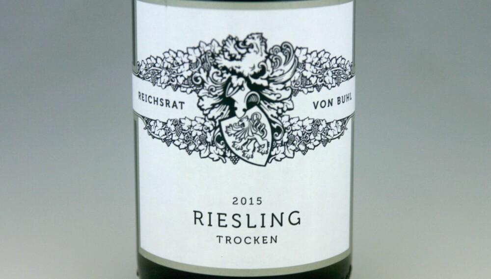 TIL PINNEKJØTT: Von Buhl Riesling Trocken 2015.