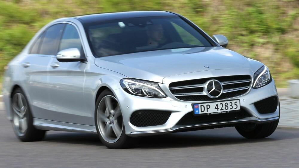 KJØRER BRA: Kjøreegenskapene er meget gode i nye C-klasse, som i tillegg hever lista på komfort i sin klasse.
