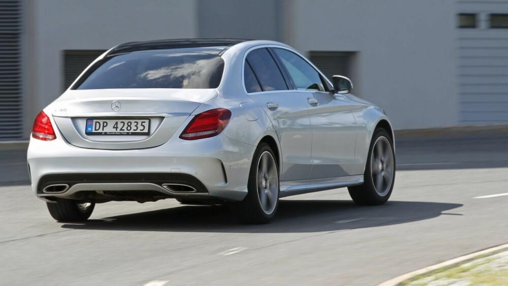 HØYT FORBRUK: Ytelsene med 1,6-liters bensinturbomotor er på nivå med den svakere BMW 316i. Forbruket er derimot en del høyere - 0,74 l/mil i vår faste forbrukstest.