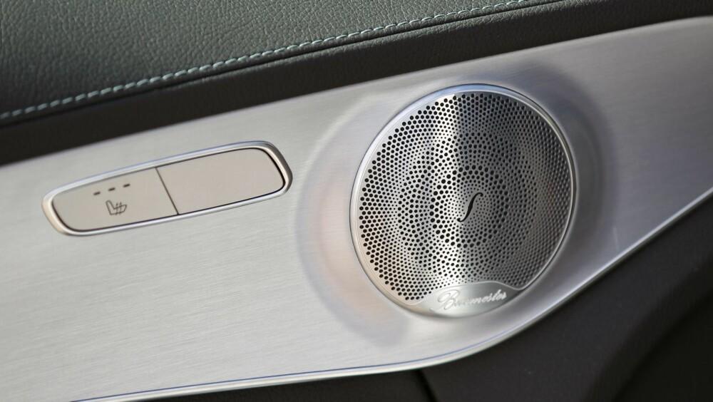 FLOTT LYD: Liker du god lyd i bilen, vil vi anbefale deg å koste på deg stereoanlegg fra Burmester. Det spiller fantastisk og ser ikke minst bra ut.