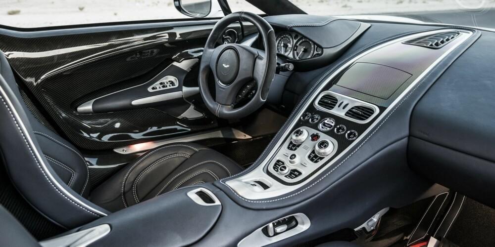 LUKSUS: One-77 føles mer som en monster-GT enn en superbil. Førermiljøet er eksklusivt og komfortabelt.