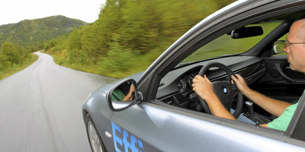 SJÅFØRBIL: BMW 3-serie er en bil hvor man koser seg bak rattet.