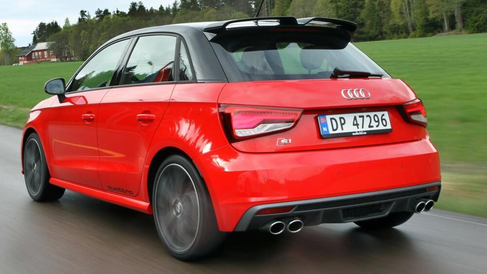 UNIK: Fantastiske kjøreegenskaper og ytelser, og det faktum at den har firehjulsdrift, gjør den til noe helt eget.
