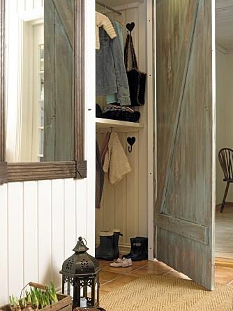INNEBYGD: Garderoben kan også skjule seg i veggen.