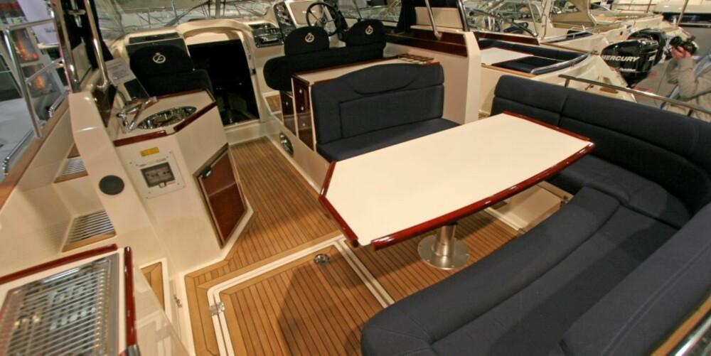 ROMMELIG: I cockpiten er det plass til hele familien.