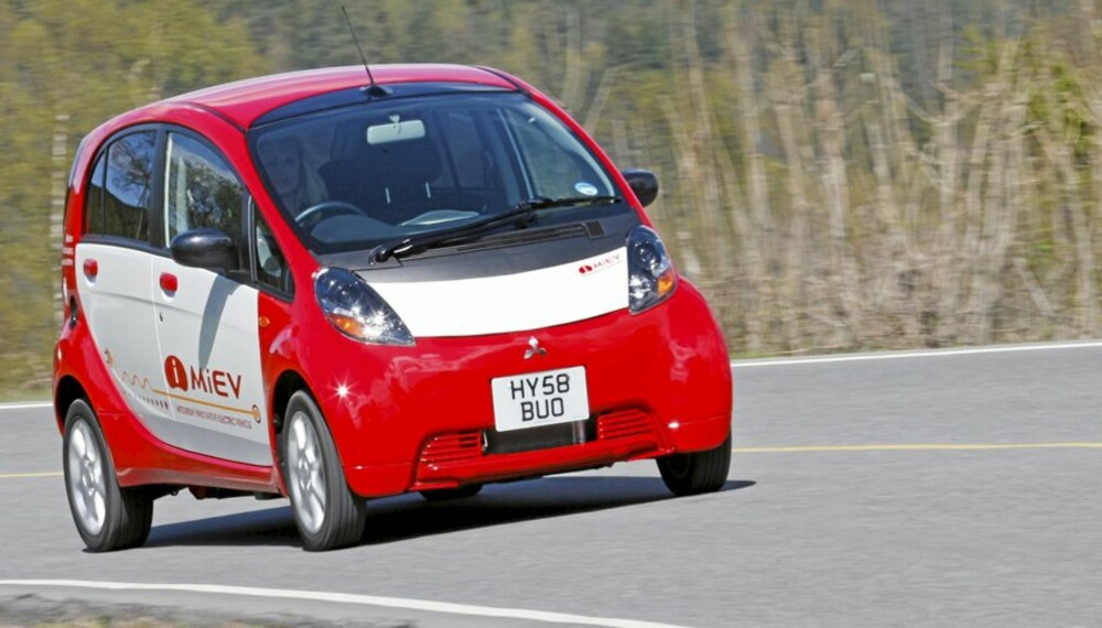 i-MiEV: Med sine 3,4 mete er det en liten bil, men takket være lang akselavstand og god innvendig takhøyde minner den mer om en slags mini-MPV enn en småbil.