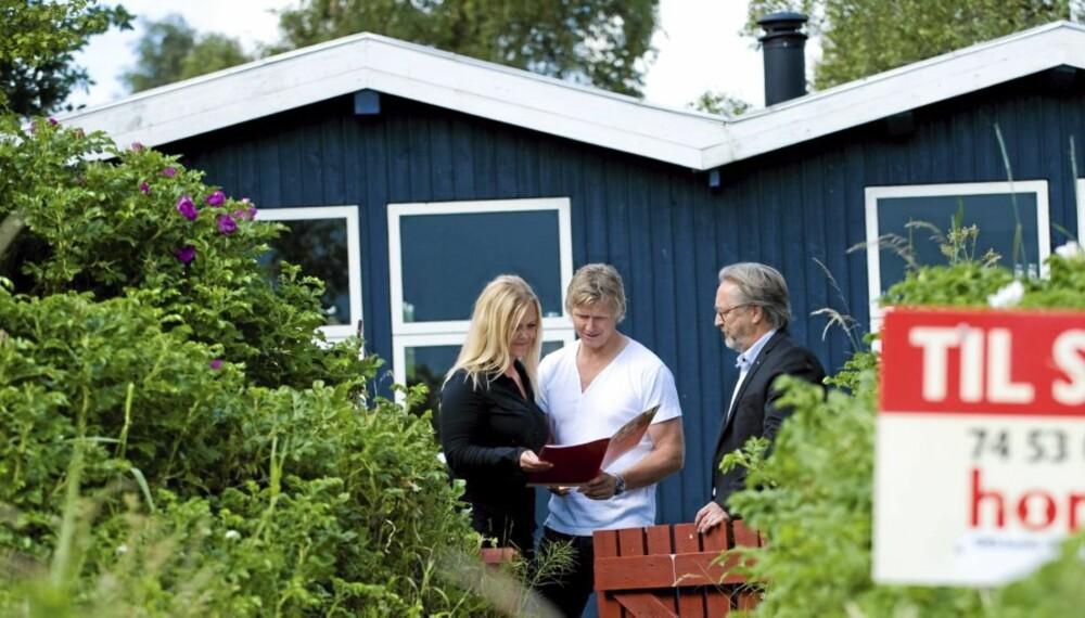 KJØPE HYTTE: Skaff deg oversikt over hva hytta koster deg før du investerer i sommerhytta.