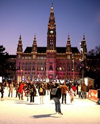 ISDRØM: Det forventes 390.000 skøytende gjester på den flotte isbanen i Wien.